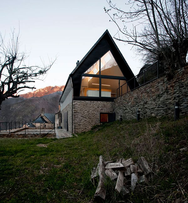 extraordinary-house-design-with-extraordinary-views-of-pyrenees-13.jpg