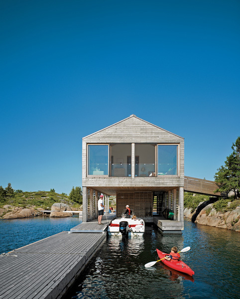 floating house integrated boathouse dock 2 Floating House with an Integrated Boathouse and Dock