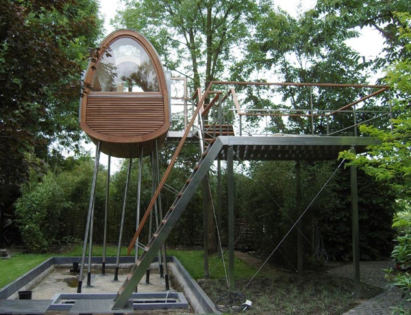 froschkonig stilt house treehouse 2 Stilt House by Treehouse Architects