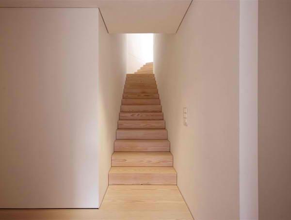 futuristic-glass-architecture-modern-switzerland-house-10.jpg