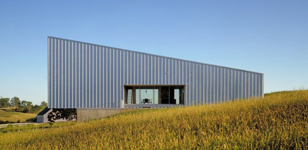 galvanized metal cladding house built on budget 2 Galvanized Metal Cladding House Built on Budget