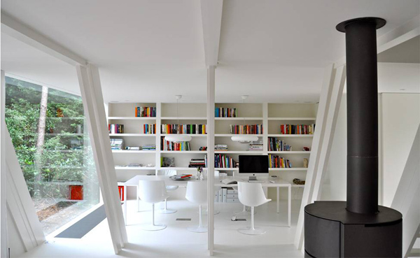geometric-garden-house-proves-opposites-attract-2.jpg