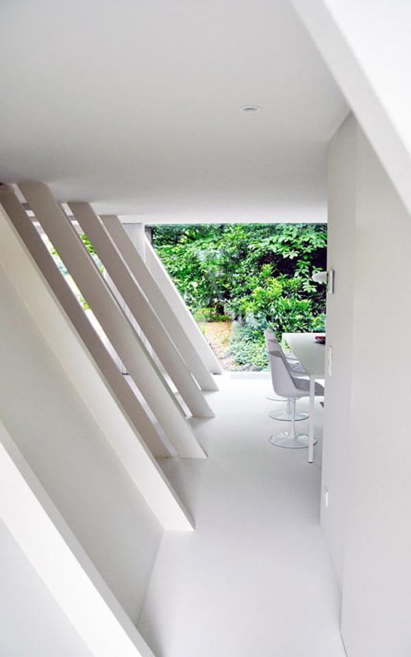 geometric-garden-house-proves-opposites-attract-4.jpg