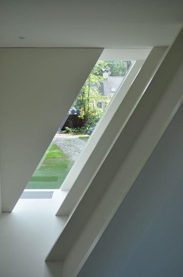 geometric-garden-house-proves-opposites-attract-5.jpg