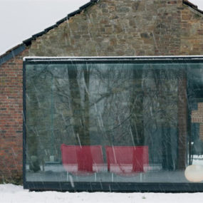 Glass and Brick Houses: Blending Traditional Charm with Modern Flair in Belgium