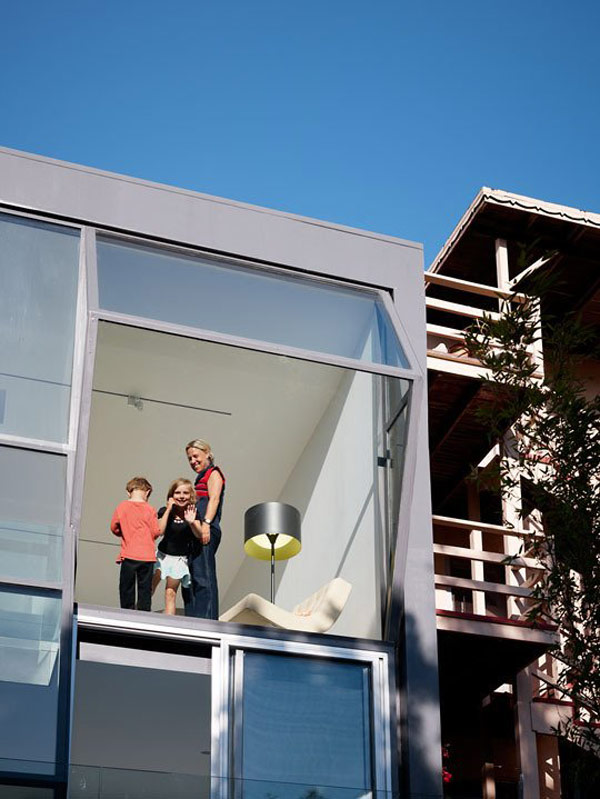 glass-house-zigzags-into-san-francisco-landscape-4.jpg