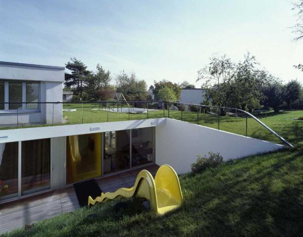 haus gross 1 Underground House by EM2N
