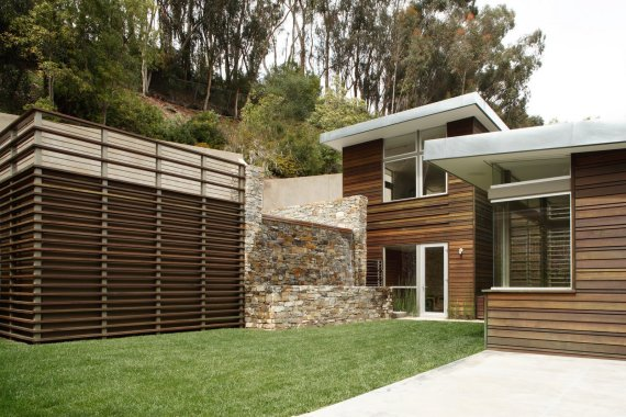 "hillclimber house 9 Beautiful Home ""Climbs"" the Pacific Pallisades – Hillclimber House by Kovac Architects"