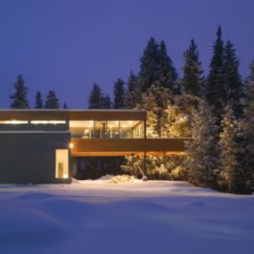 Modern Mountain Chalet in Colorado – Winter Wonderland by architect Michael P. Johnson