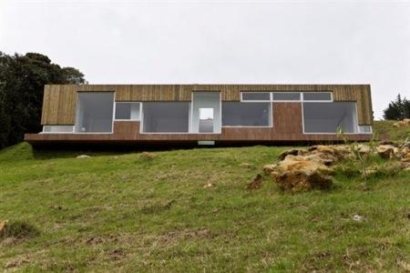hillside-home-contemporary-colombia-4.jpg