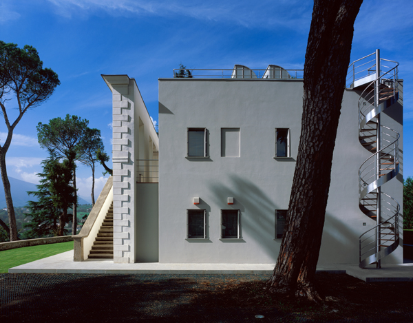 hof villa 2 Modern Italian Villa Design Blends Old and New