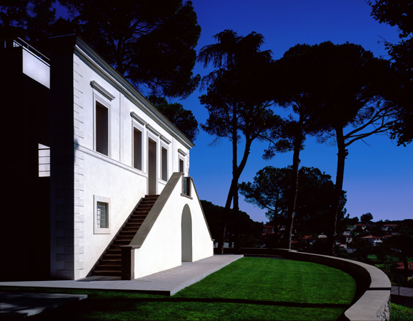 hof villa 9 Modern Italian Villa Design Blends Old and New