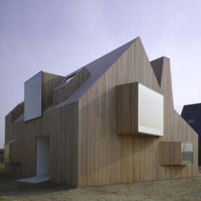 Wood Home Design in Netherlands – fascinating countryside architecture!
