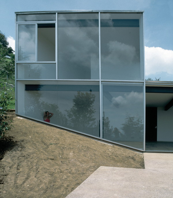 house-on-a-slope-3.jpg