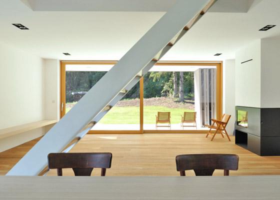 house-r-7.jpg