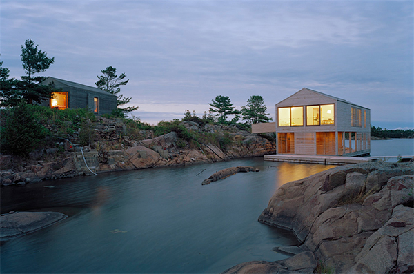 Floating Cottage Prefab on Lake Huron, Canada – rises and falls with the tides