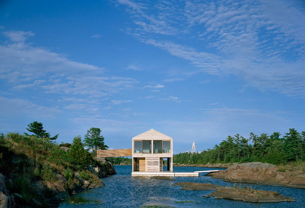 huron house 2 Floating Cottage Prefab on Lake Huron, Canada   rises and falls with the tides