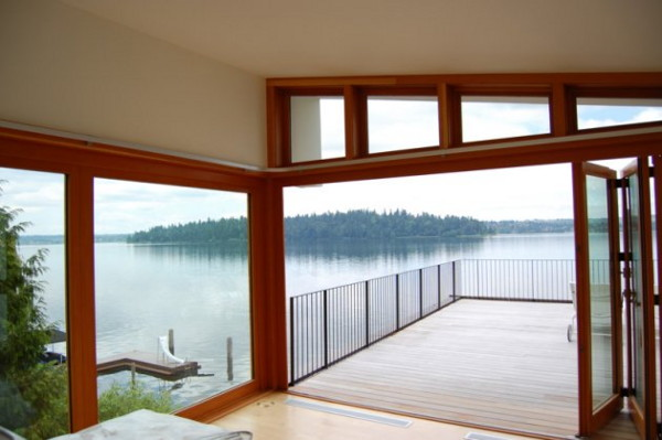 hutchison maul lake house 10 Modern Rustic Lake House on Mercer Island, Washington   imaging yourself standing there ...