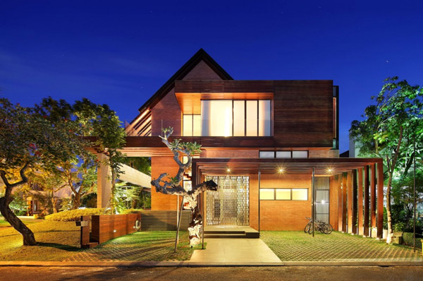 Indonesia luxury homes living large on a small site for Small luxury house plans