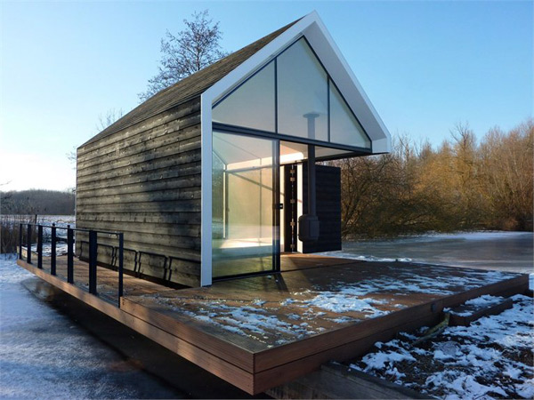 innovative island house with glass facade 1 Innovative Island House with Glass Facade