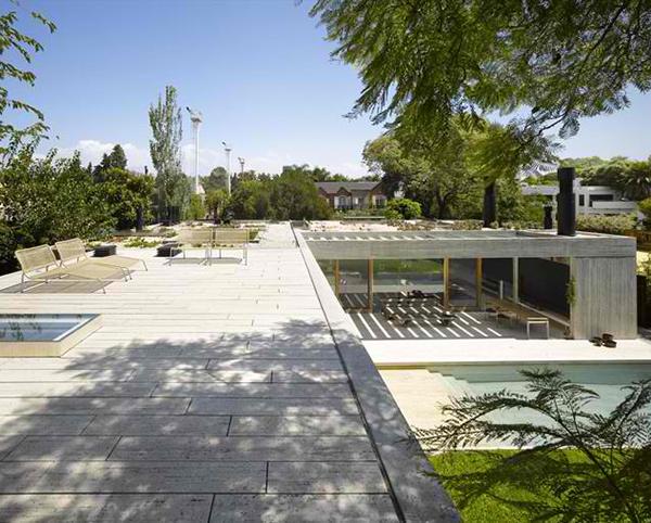 inside-outside-home-design-south-american-architect-7.jpg