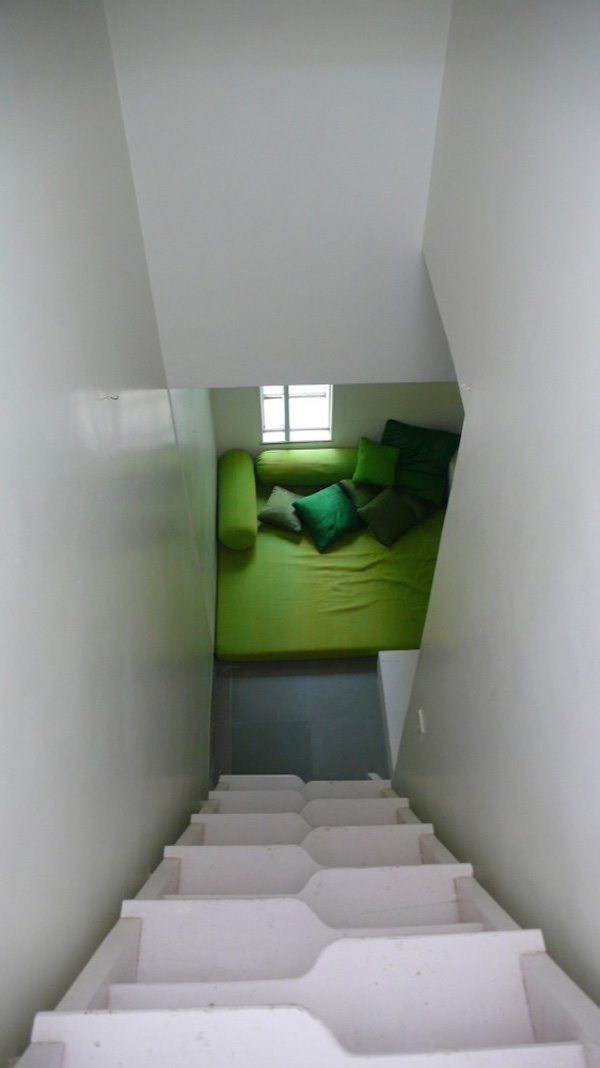 interesting-india-house-with-green-volume-6.jpg