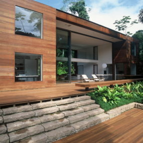 "Luxury Brazilian House by Architect Arthur Casas – the ""Inside-Out"" house"