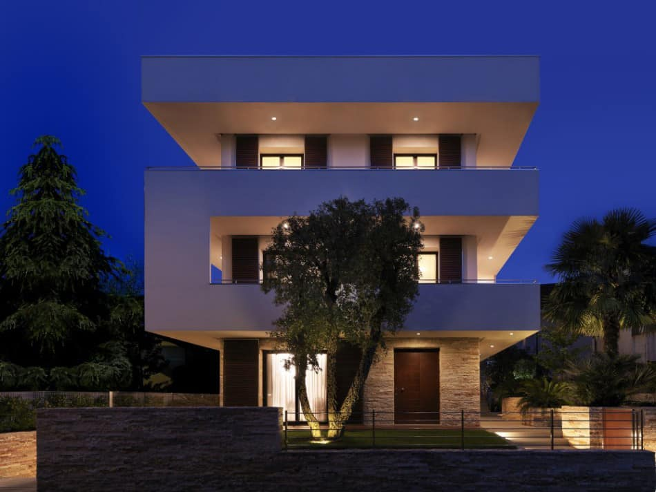 View In Gallery Italian Maze House With Geometric Exterior Sliding Interior  Part 62
