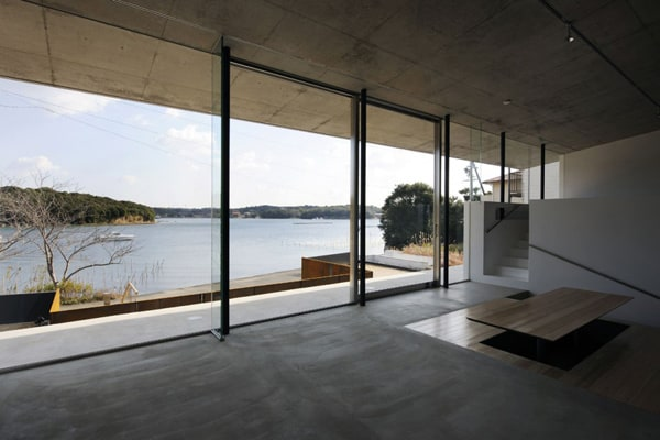 Japanese Beach House Design: Contemporary Concrete