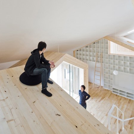 japanese wooden structure house takagi 5 Wooden Structure House: hang out on the roof ... inside the house