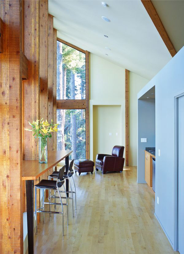 Lake Home Design by Contemporary Canadian Architects