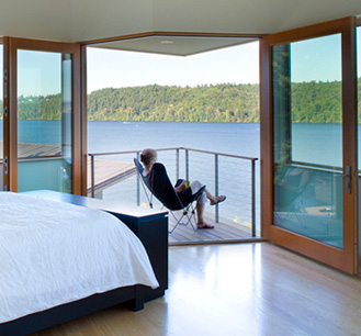 lake washington house view Luxury Lake Home by Architect Peter Cohan is a dream come true for outdoor lovers