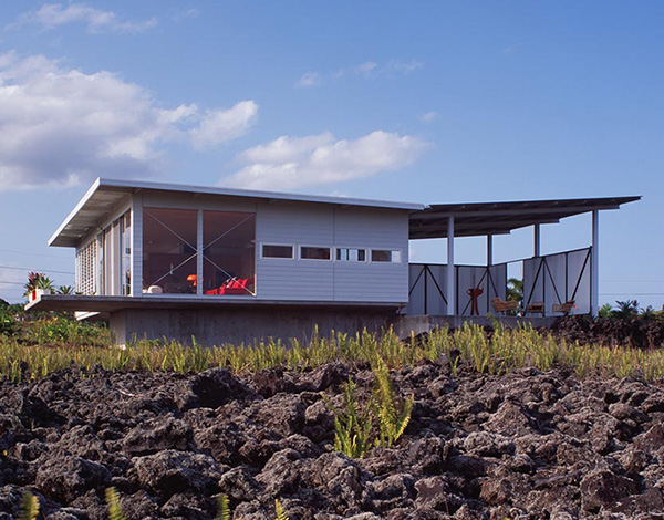lavaflow house 2 2 Small Cottage Design with Large Covered Deck in Hawaii