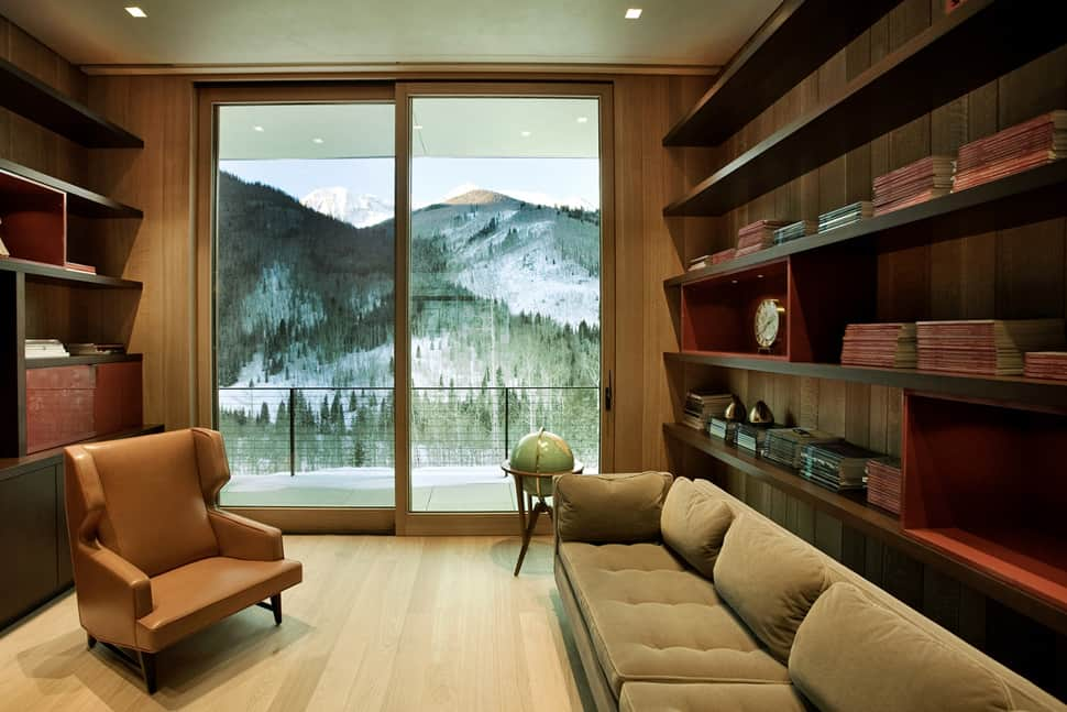 Linear Mountain House Of Wood Glass And Chalet Charm