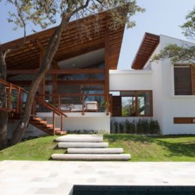 Luminous Family Holiday House in Sao Paolo, Brazil