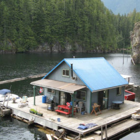 Sustainable Floating Cabin in Beautiful British Columbia