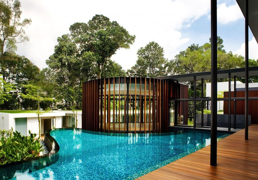 Luxury House With Layered Gardens And Screened Circular