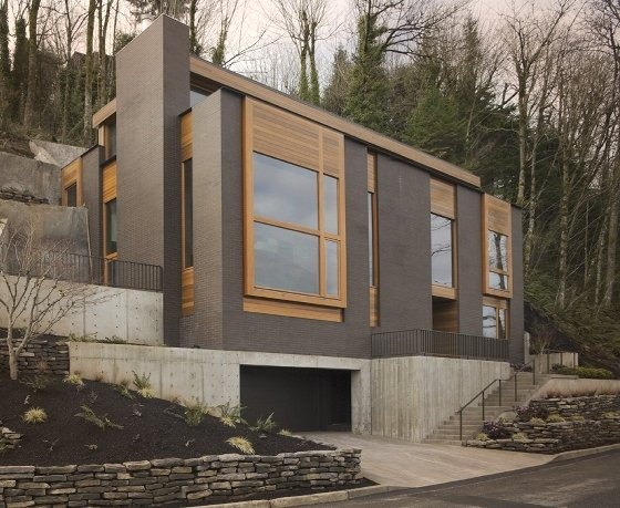 Modern mountainside house in portland oregon for Home designers portland oregon