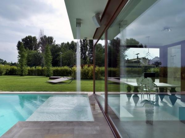 maison de la lumiere 4 Modern Maison De La Lumiere in Bologna, Italy   a hi tech haven for the home owners
