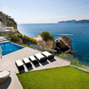 Mallorca Resort Style Villa is a Seafront Paradise