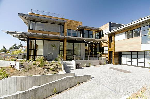 Modern, Sustainable House Goes for the Platinum - Marigardo House by ...