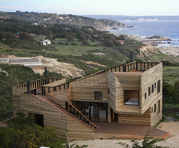 metamorfosis house Timber House in the most graceful way and the views to die for!