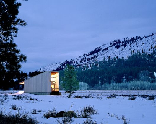 methow residence 1 Rustic Mountain Cabin in WA   simple and cozy