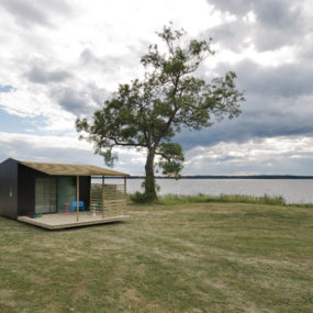 Modern Mini House Makes a Big Impression – a prefab in Sweden by architect Jonas Wagell