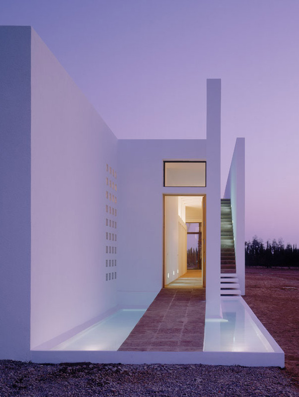 minimalist pool house marrakech 5