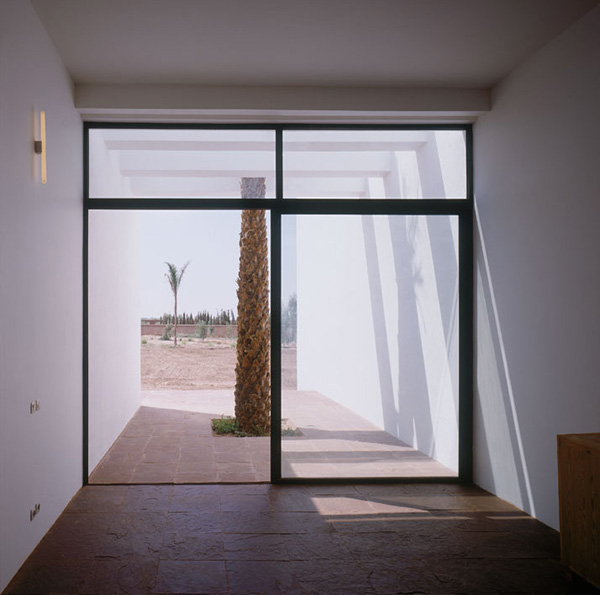 minimalist pool house marrakech 8