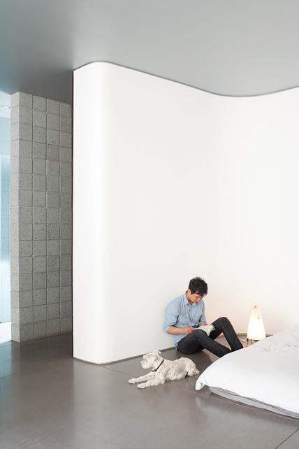 minimalist studio home 7