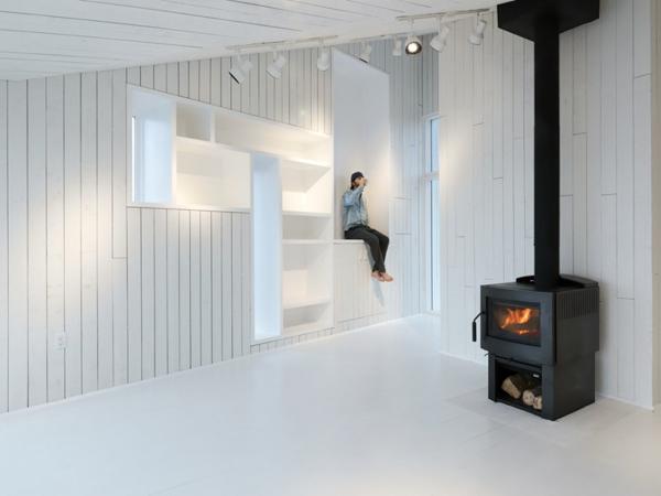minimalist-studio-with-angled-roofline-3.jpg