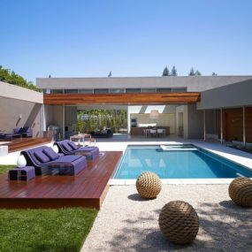 Modern U-Shaped California Home with Central Patio