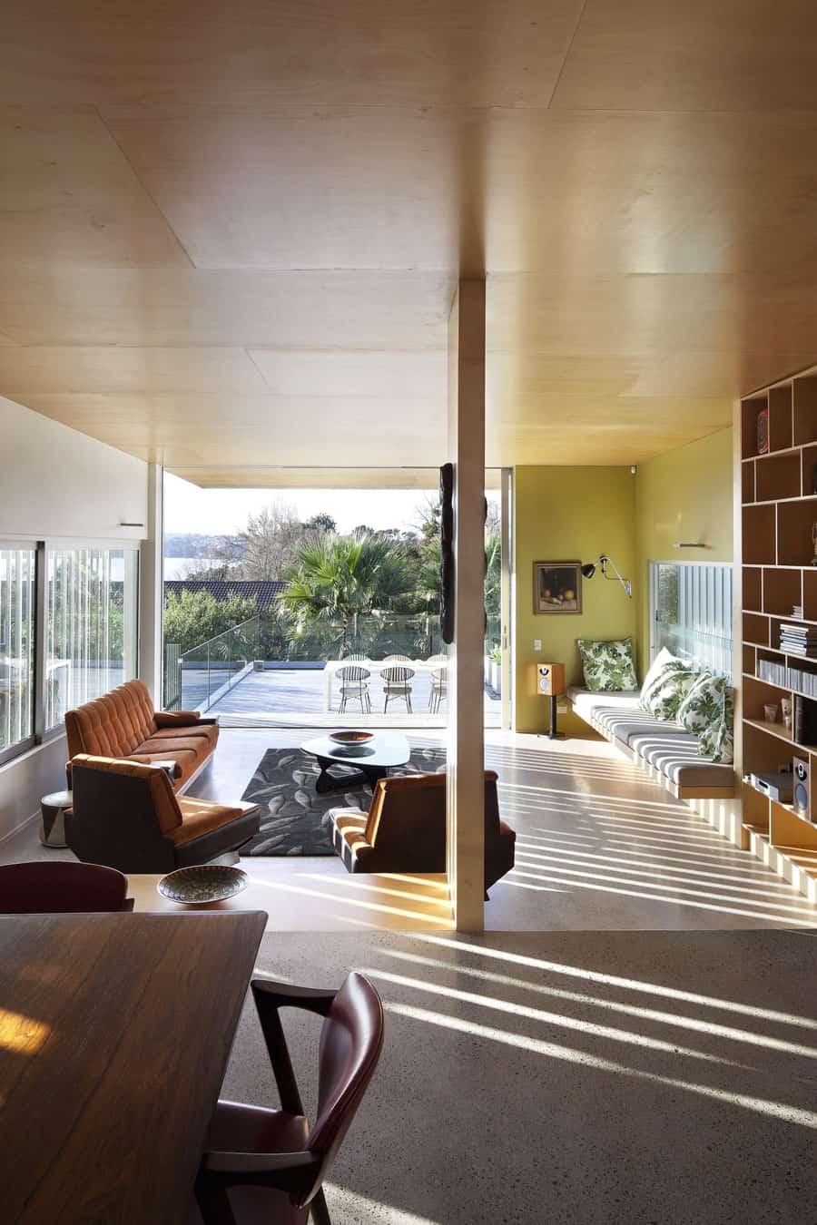 View in gallery modern architecture versus vintage interior 2 thumb 630x944 22679 modern architecture versus vintage interior